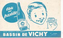BU 989- BUVARD     EAU OU PASTILLE  BASSIN DE VICHY SAINT YORRE