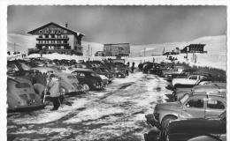 Cpsm Alpes D'Huez -arrivée Des Skieurs - Automobiles - Otros Municipios