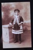 ENFANT EN COSTUME CP PHOTO