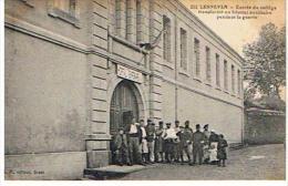 CPA  29*LESNEVEN *entree Du College Transforme En Hopital Auxiliaire Pendant La Guerre - Lesneven