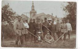 Photo Carte Laneuville Sur Meuse - Prisonniers Français Et Leurs Gardiens - Otros Municipios