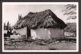 NLA10) Curaçao - Old Native Hut - Mailed 1952 - RPPC - Curaçao