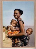 AFRIQUE EN COULEURS - CPM - 2644 - MATERNITE - éditeur HOA-QUI - Postcards