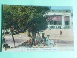 Le MONT DORE - Un Coin Du Parc Et Le Casino - Le Mont Dore