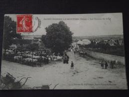 SAINT-PIERRE-le-MOÛTIER (Nièvre) - Le Champ De Foire - Grande Animation- Voyagée Le 10 Mai 1909 - Saint Pierre Le Moutier