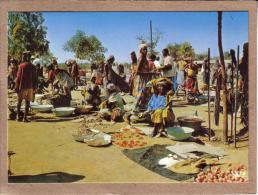 AFRIQUE EN COULEURS - CPM - 7037 - MARCHE AFRICAIN - éditeur IRIS - Postcards