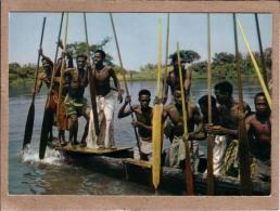 AFRIQUE EN COULEURS - CPM - 3202 - PIROGUIERS - éditeur HOA-QUI - Postcards