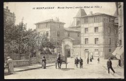 CPA ANCIENNE- FRANCE- MONTAUBAN (82)- ENTRÉE DU MUS4E INGRES- EX MAIRIE- BELLE ANIMATION GROS PLAN- ATTELAGE AGRICOLE - Montauban