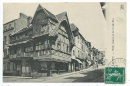 CPA -LISIEUX -VIEILLES MAISONS DE LA GRANDE RUE -Calvados (14) -Circulé 1910 -Com. : Plantefor, Cirier (bougies, Cierges - Lisieux