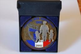 Lot Police: Médaille Commémorative Oeuvre Des Orphelins Préfecture De Police Nationale  Poids> 100 Gr. Diamètre 70 Mm - Police
