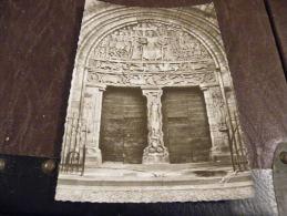 A23.CPA/CPSM.19 BEAULIEU-SUR-DORDOGNE.Le Tympan Du Portail De L'église St PIERRE(XIe).(CORREZE)rare Beau Plan.non écrite - Other Municipalities