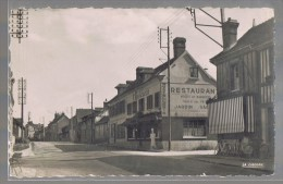 ACQUIGNY . La Route D'Evreux . - Acquigny
