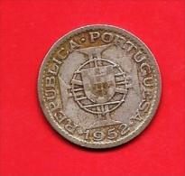 MOZAMBIQUE 1952 ,circulated Coin , 10 Escudos, 0.650 Silver, Km79, C1684 - Mozambique