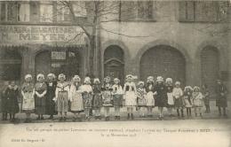 57 METZ UN JOLI GROUPE DE PETITES LORRAINES APRES LA GUERRE EN 1918 - Metz