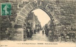 24-159   CPA   DOMME Porte De La Combe   Animation 19012   Belle Carte - Autres Communes