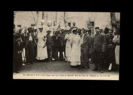 MILITARIA  - CROIX ROUGE - Infirmières Dans La Cour De L'Hôpital De TLEMCEN - ALGERIE - Tirailleurs - Croix-Rouge