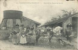 CHATEAUNEUF En THIMERAIS  ( Eure Et Loir ) -   DEVANT LE RESERVOIR DES EAUX ET LE LAVOIR - Unclassified