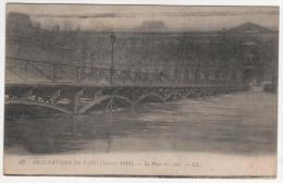 @ CPA INONDATIONS DE PARIS, CRUE DE LA SEINE, LE PONT DES ARTS, PARIS 75 - Inondations De 1910