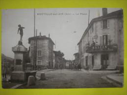 Cpa De 01 NEUVILLE-sur-AIN  La Place Animé Non Circulé Ttb - France