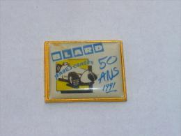 Pin's PNEUS CENTER, ETABLISSEMENTS BLARD, 50 ANS - Pins