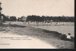Saint Palais Sur Mer, Le Bureau, Cabines De Bains, La Halle Et L´église - Saint-Palais-sur-Mer