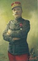 GUERRE 1914 1918  LE MARECHAL FOCH AVEC SA MEDAILLE  ET SON SABRE PHOTO HENRI MANUEL A PARIS - Weltkrieg 1914-18