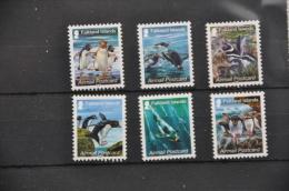 M 209 ++ FALKLAND ISLANDS 2013 BIRD VOGEL OISEAUX PINGUIN PENGUIN MNH ** - Falkland