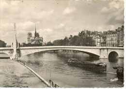 7-3ay10. Postal Francia. París. Notre Dame Et La Statue De Sainte Geneviève - Notre Dame De Paris