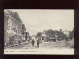 35 Dinard   La Grande Rue & La Rue Levavasseur édit. LL N° 130 Embarcadère Des Vedettes , Rails Du Tramway - Dinard