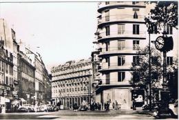 Paris:07.carrefour  Bd St Germain Et Rue Du Bac - Paris (07)