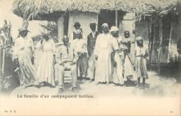 HAITI - LA FAMILLE D UN CAMPAGNARD HAITIEN ( GROUPE ) - Haiti