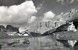 Lago Pordoi E Hotel Pordoi - Italia