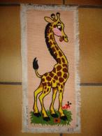 Ancien Canevas Fait Main Representant Une Girafe (13-4587) - Tapis & Tapisserie