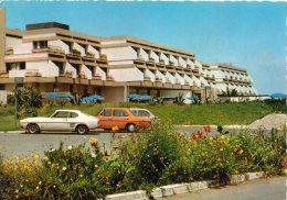 < Automobile Auto Voiture Car >> Ford Capri, Mercedes 220, Hotel Samir, Mohammedia, Maroc