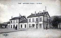 88  SENONES - La Gare Avec Ouvriers Réparant Le Toit N° 7228 C L B                        D628 - Senones