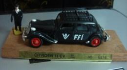 "CITROEN 11CV "" FFI 1939"" ( 15 SIX) - Non Classés"