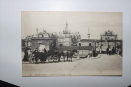 Chateau De CHANTILLY   - Entrée Du Chateau -   Ccc - Chantilly