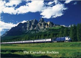Train Rocky Mountaineer Rolls Through TheRockies  Mountains  Canada - Treinen