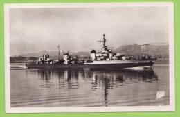 CPSM Croiseur Léger LE TRIOMPHANT - Warships