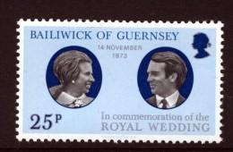 GUERNSEY - 1973 ROYAL WEDDING STAMP FINE MNH ** - Guernsey