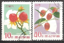 """KOREA NORTH  # STAMPS FROM YEAR 1966 """"STANLEY GIBBONS 762 + 764"""" - Corée Du Nord"""