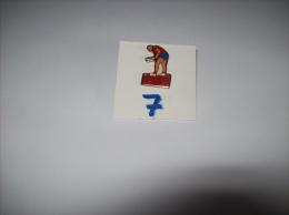 "PIN´S - HOCKEY  - Crosse Au But "" LES INTIMES ""    -   Voir Photo ( 7 ) - Pins"