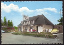 CPSM Gf .Dépt : 72 SAINT-AUBIN DE LOQUENAY. Station Des Alpes Mancelles. Bar-Tabac, Pompes à Essences TOTAL. Voitures. - France