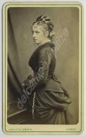 CDV 1870-80 Asplet & Green à Jersey.  Jeune Femme Aux Yeux Clairs D'une Grande Beauté. Mode. - Photographs