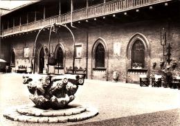 2820.   Carimate - Cortile Castello - 1966 - Altre Città