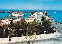 Cp , ESPAGNE , CEUTA , Vista Parcial Del Puerto , Vue Partielle Du Port , Ferry - Ceuta