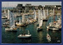 29 CONCARNEAU Port De Plaisance ; Voiliers, Yachts, Aviron - Animée - Concarneau