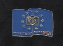 PINS PIN´S  DRAPEAU EUROPEKODAK PHOTO METAL 2,5 CMS - Altri