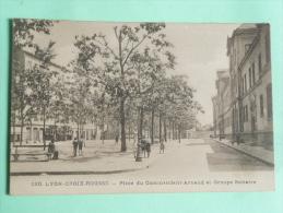 LYON , Croix Rousse, Place Du Commandant Arnaud Et Groupe Scolaire - Lyon