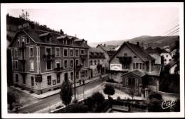 Cp Orbey Haut Rhin, Le Square Et L'Hotel Beck, Pharmacie Waltzer - Altri Comuni